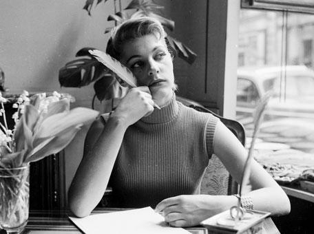 vintage-gal-writing